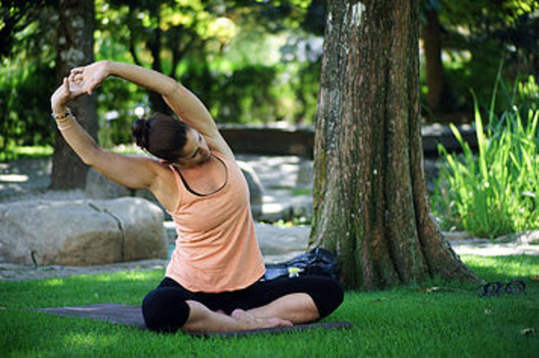 Sandrine au yogabulle en plein air