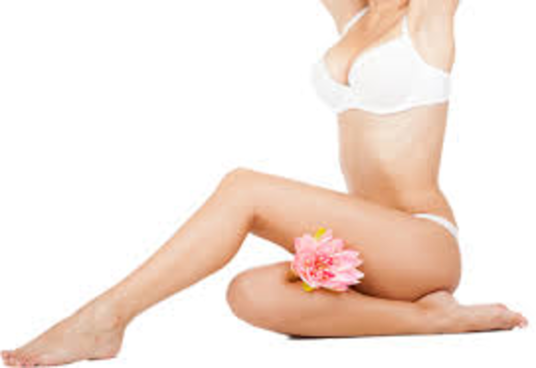 Aiselle bikini jambes