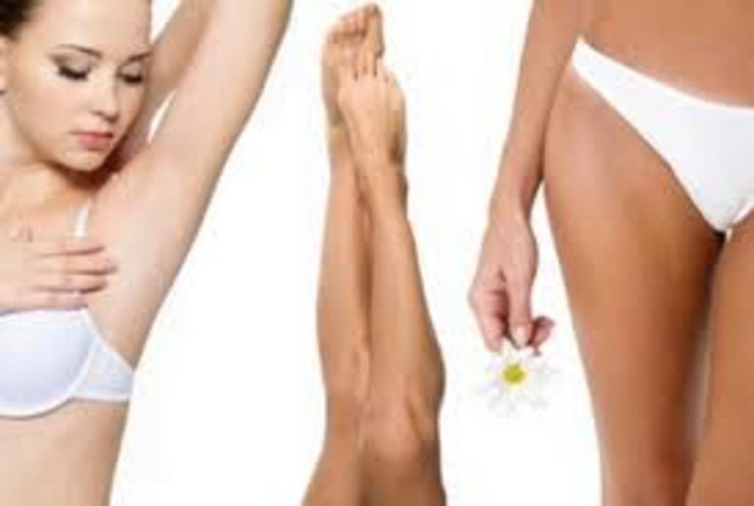 Aiselle bikini.sl jambes